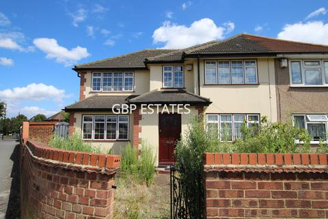 5 bedroom semi-detached house to rent - Ambleside Avenue, Elm Park
