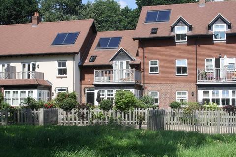 2 bedroom retirement property for sale - Merritts Meadow, Petersfield, Hampshire, GU31