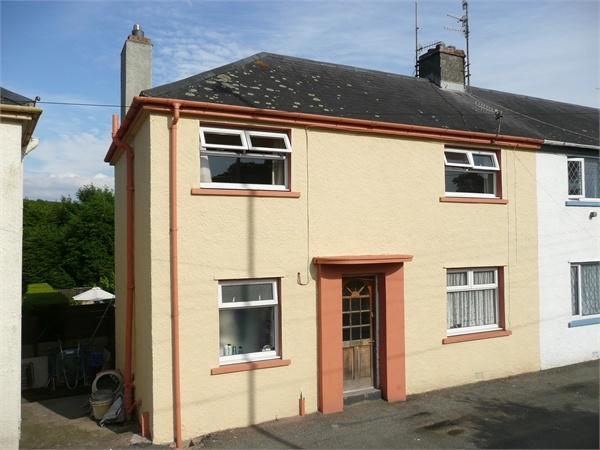 3 Bedrooms Semi Detached House for sale in 29 Heol Y Felin, Goodwick, Pembrokeshire