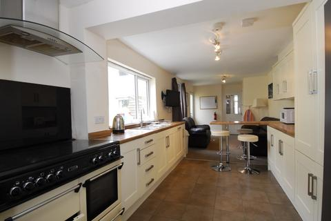 6 bedroom house share to rent - 18 Weston Park Road