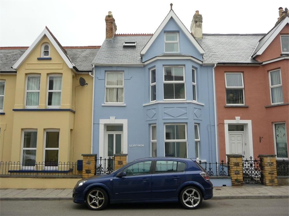 6 Bedrooms Town House for sale in Llwynon, Vergam Terrace, Fishguard, Pembrokeshire