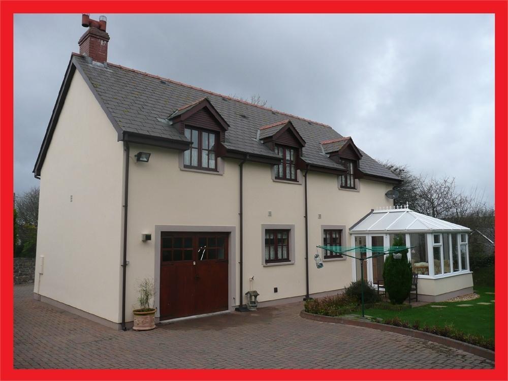 3 Bedrooms Detached House for sale in Bwthyn Celyn, Castlemorris, Haverfordwest, Pembrokeshire