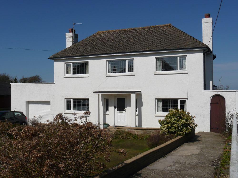 3 Bedrooms Detached House for sale in SaddlePoint, Sladeway, Fishguard, Pembrokeshire