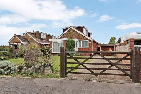 4 bedroom detached bungalow for sale - Brook Lane, Warsash