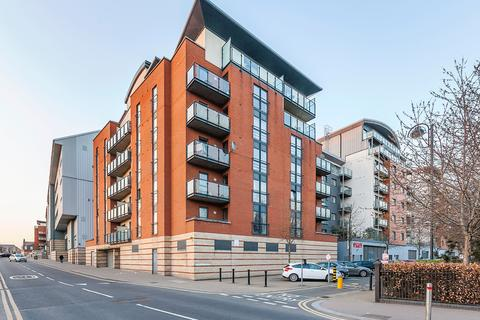 2 bedroom apartment to rent - Johnston Court, Oliver Road, Leyton