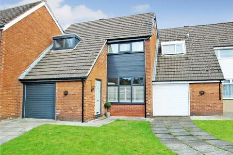 3 bedroom semi-detached house for sale - Henley Drive, Timperley