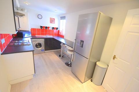 2 bedroom apartment - Northcote Road, Bournemouth