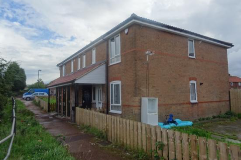 2 bedroom flat to rent - Whinmoor Place