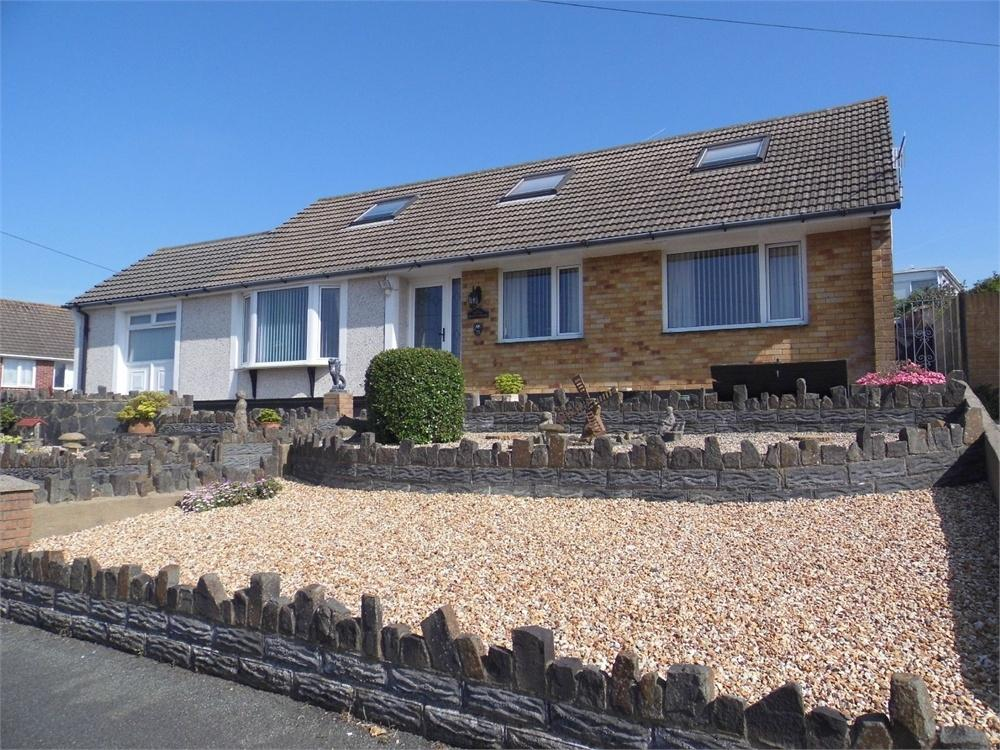 4 Bedrooms Detached Bungalow for sale in 29 Heol Dewi, Fishguard, Pembrokeshire