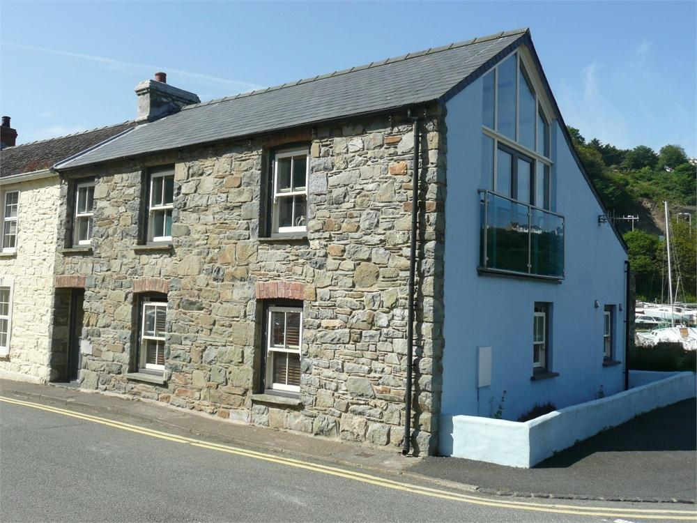 4 Bedrooms End Of Terrace House for sale in Pendock House, Quay Street, Lower Town, Fishguard, Pembrokeshire