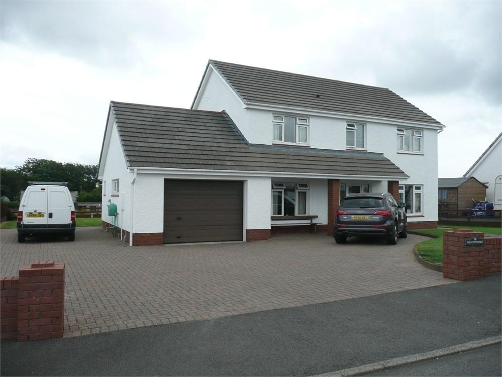 4 Bedrooms Detached House for sale in Rhosmeini, Clos Y Meini, Crymych, Pembrokeshire