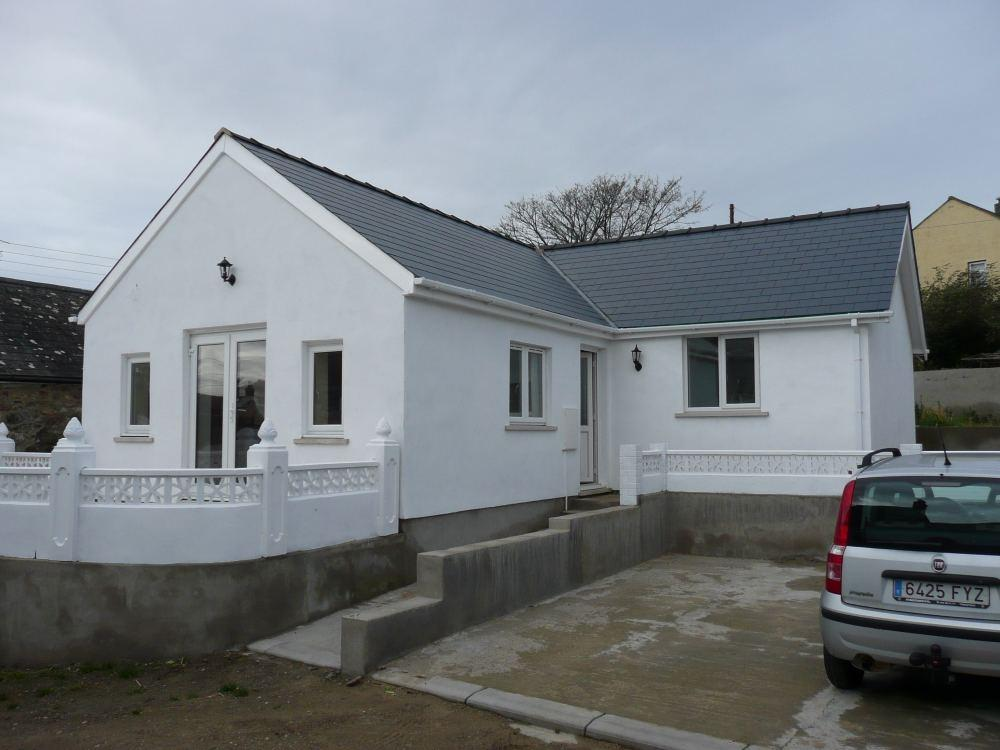 3 Bedrooms Detached Bungalow for sale in The Store House, Stop and Call, Goodwick, Pembrokeshire
