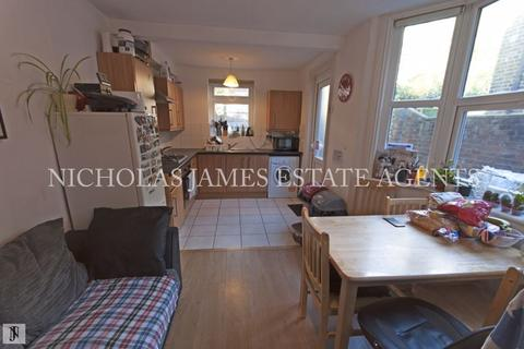 4 bedroom terraced house to rent - Cranbrook Park, Wood Green, London N22