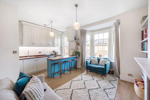 2 bedroom flat - Thornbury Road, SW2