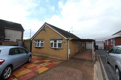 3 bedroom detached bungalow for sale - Churchill Avenue, Trentham