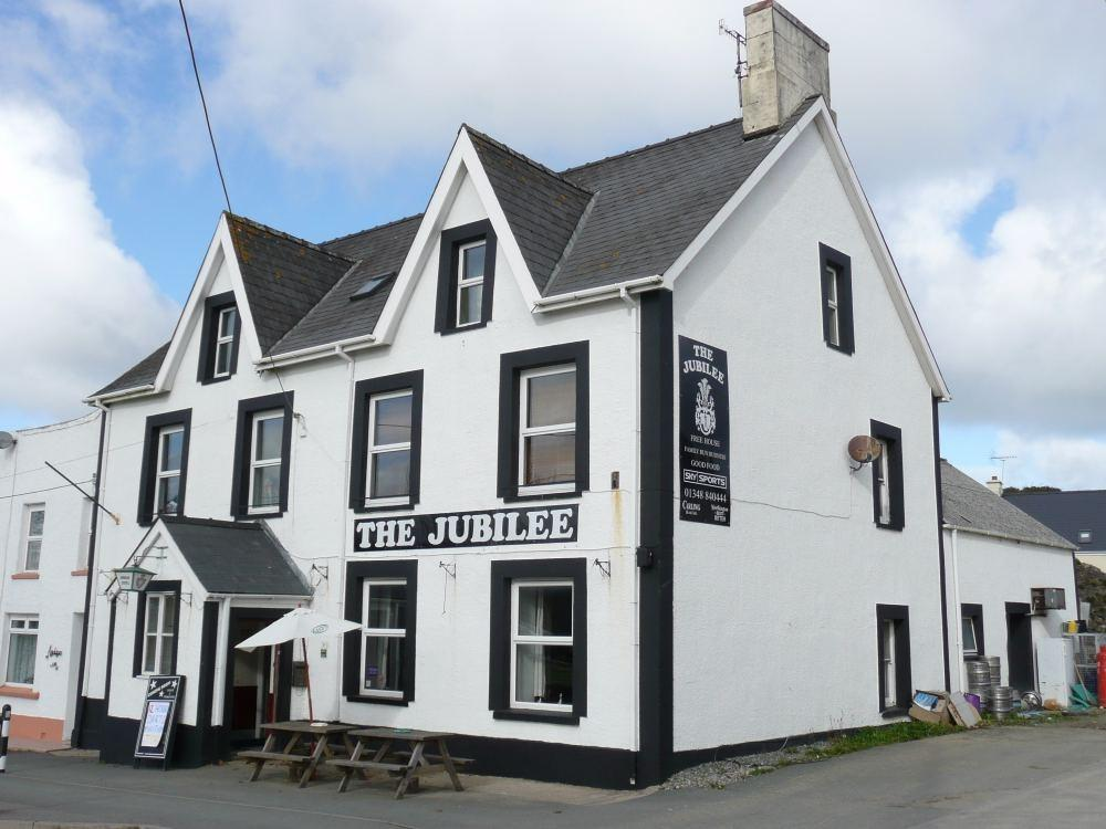 5 Bedrooms Detached House for sale in The Jubilee Hotel, St Davids Road, Letterston, Haverfordwest, Pembrokeshire