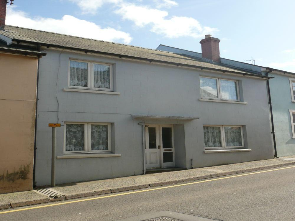 3 Bedrooms Terraced House for sale in 37 High Street, Fishguard, Pembrokeshire