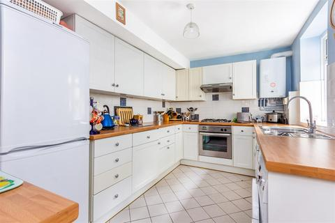 2 bedroom flat for sale - Knollys Road, London