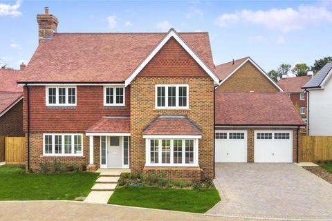 4 bedroom detached house for sale - Willowbrook, Elmbridge Road, Cranleigh, Surrey, GU6