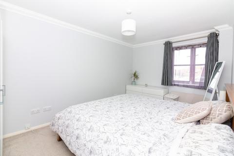 2 bedroom flat to rent - Victoria Court, South Street, Lancing