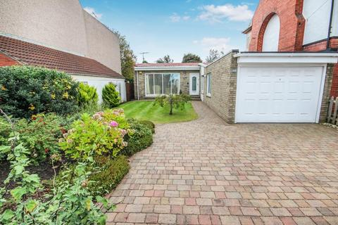 2 bedroom detached bungalow for sale - Park Road, Hartlepool