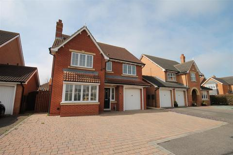 5 bedroom detached house for sale - Helston Close, Darlington