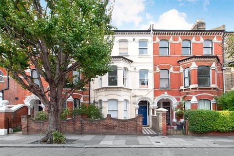 2 bedroom apartment to rent - Beauchamp Road, London, SW11