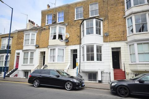 4 bedroom terraced house to rent - St. Augustines Road Ramsgate CT11
