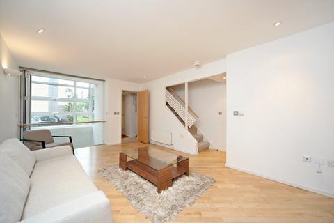 2 bedroom semi-detached house to rent - Gillingham Row Victoria London SW1V