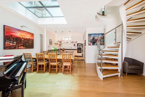 5 bedroom mews - Lancaster Mews, Bayswater, London, W2