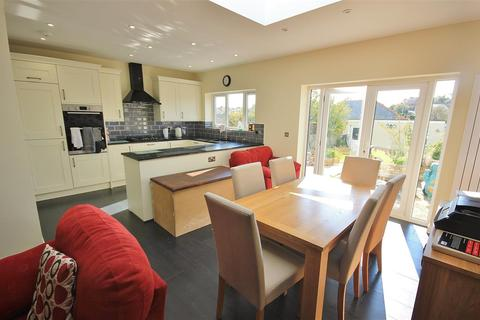 3 bedroom bungalow - Sunnyside Road, Parkstone, Poole