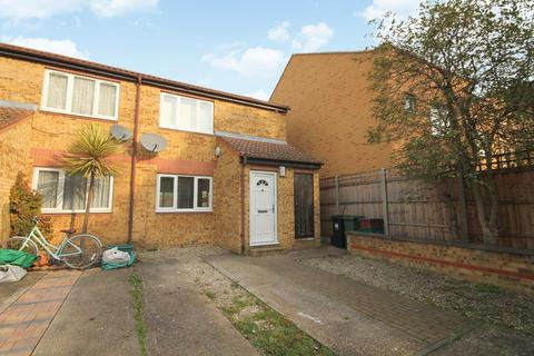 2 bedroom semi-detached house for sale - Larkham Close, Feltham, TW13