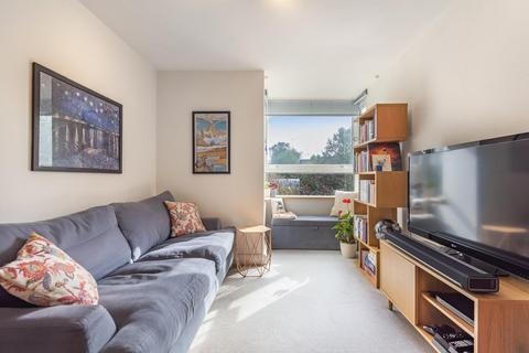 1 bedroom flat for sale - Sullivan Close, Battersea