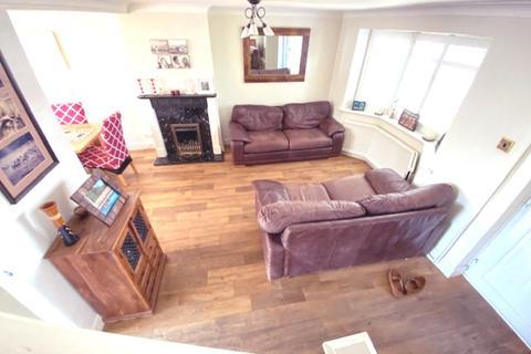 4 bedroom semi-detached house for sale - SUTHERLAND GARDENS, WORCESTER PARK KT4