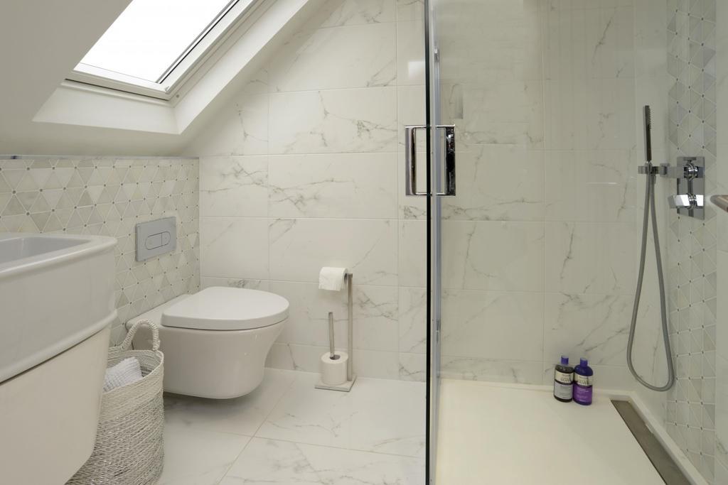 Bedroom 5 Shower Roo
