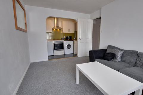 1 bedroom apartment to rent - Chaucer Court, 75 Wendover Road, Staines-upon-Thames, Surrey, TW18