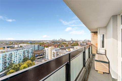 2 bedroom flat for sale - Dickens Estate, London, SE16