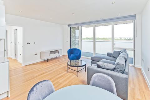 2 bedroom flat to rent - Royal Albert Wharf, London, E16