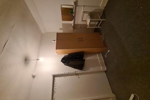 Studio to rent - Studio Flat  Norwood Junction