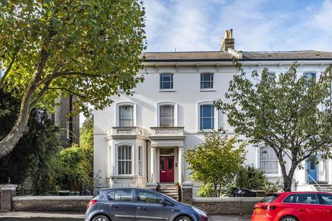 3 bedroom flat for sale - Wickham Road, Brockley