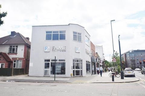 Office to rent - Russell Parade, Brent Cross