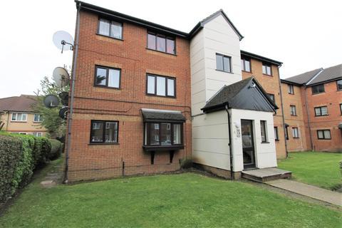 1 bedroom flat for sale - Plowman Close, London, N18