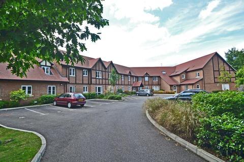 2 bedroom flat for sale - Meadowside, Storrington, West Sussex, RH20
