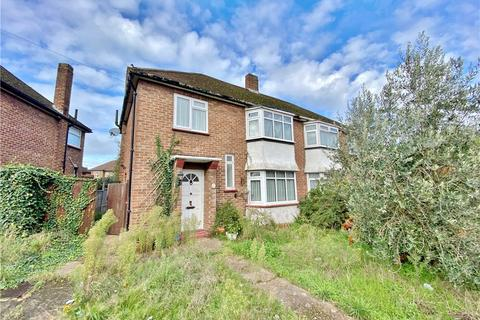 3 bedroom semi-detached house for sale - Eastbourne Road, Feltham, Surrey, TW13