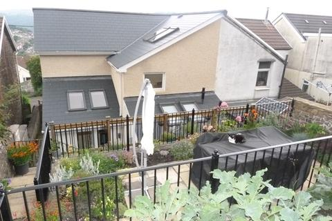 3 bedroom terraced house to rent - Danycoedcae, CF37 1LS