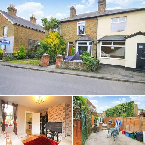 2 bedroom end of terrace house for sale - Saint Dunstan's Road, Feltham, TW13