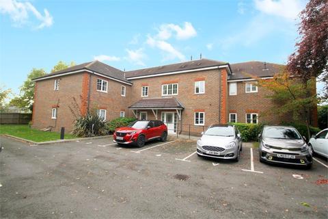 2 bedroom flat for sale - The Grange, De Havilland Way, STAINES-UPON-THAMES, Surrey