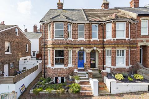 3 bedroom end of terrace house - Grosvenor Park, Tunbridge Wells