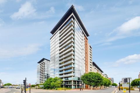 1 bedroom flat for sale - The Oxygen, Royal Docks E16