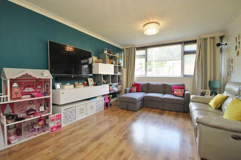 2 bedroom apartment to rent - Cavendish Avenue, Woodford Green